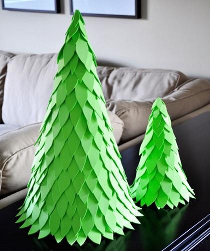 C mo hacer un rbol de navidad casero con los ni os - Como hacer un arbol de navidad de carton ...
